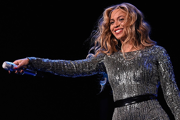 original_Beyonce-Takes-Stage-at-Made-in-America-Festival